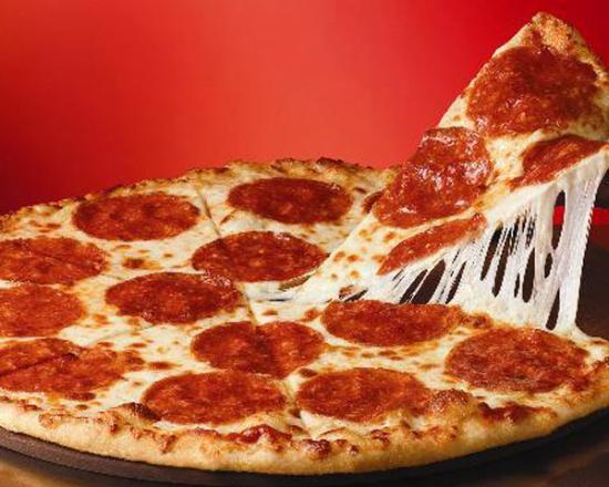 Apuñala, ahorca y golpea a su novia porque le trajo pizza y no sandwich de pollo