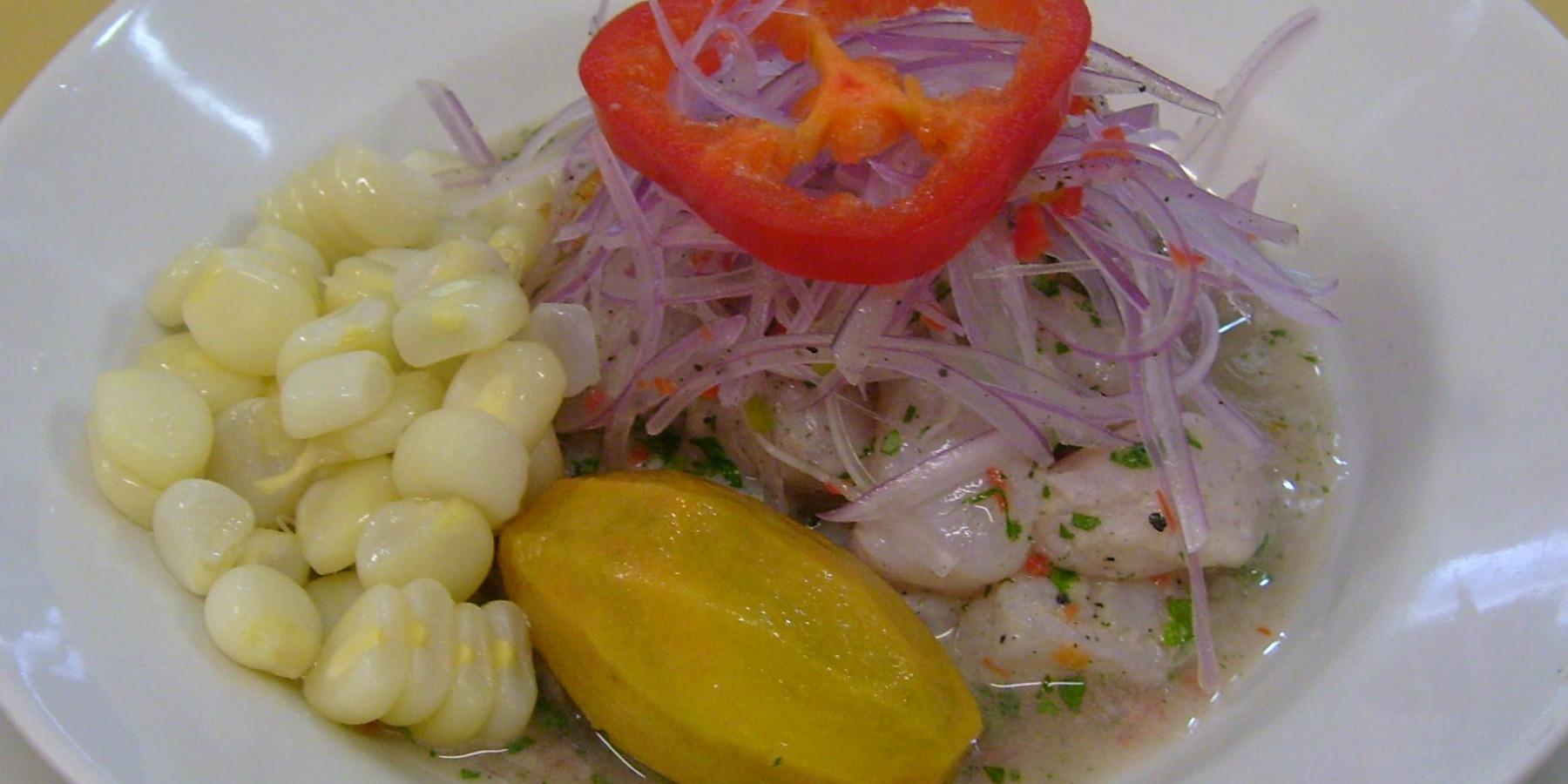 El Cebiche es un plato prehispánico cuya palabra es de origen quechua