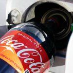 Mira lo que sucede si echas Coca Cola en vez de gasolina a tu auto